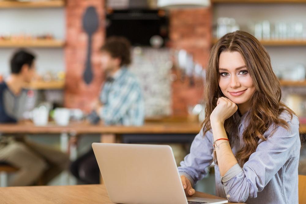 seo-girl-cafe-brand-awareness-digital-marketing-leads-optimization.jpeg